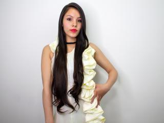 Webcam model Yhanaralee from XLoveCam