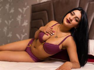 Webcam model ZaharaSanchezz from XLoveCam