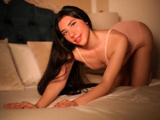 Webcam model AlisonBridge from XLoveCam