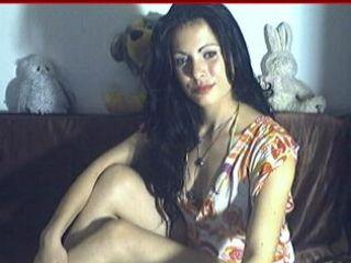 Webcam model ChaudeAlexya from XLoveCam