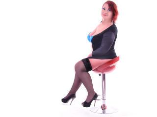 Webcam model LucilleForYou from XLoveCam