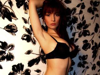 Webcam model BettyBliss from XLoveCam