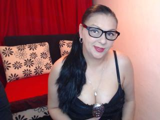 Webcam model LadyCrissyx from XLoveCam