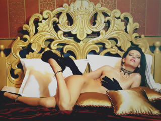 Webcam model SweetAllicia from XLoveCam