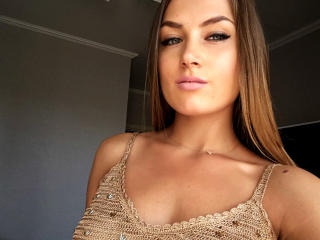 Webcam model SugarLipsss from XLoveCam