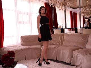 Webcam model KittyEvelyne from XLoveCam