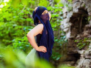 Webcam model Asira from XLoveCam