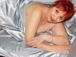 Webcam model SexyEllaForYou from XLoveCam