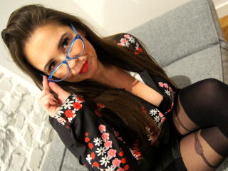 Webcam model ShineGwen from XLoveCam