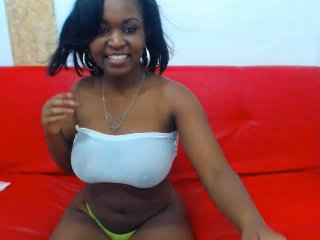 Webcam model LaGatita from XLoveCam