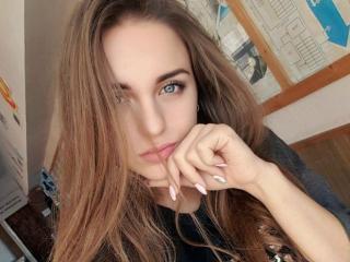 Webcam model CharlotteTasty from XLoveCam