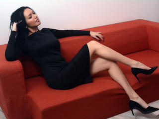 Webcam model NadeenArabic from XLoveCam