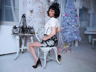 EvelinaX - chat online hot with a standard body Lady over 35