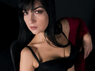 Webcam model BelaMoretti from XLoveCam