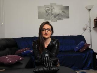 Webcam model RachelKiss from XLoveCam