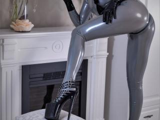 Webcam model AngelikaCroft from XLoveCam