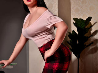 Webcam model SweetLysa from XLoveCam
