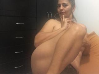 Webcam model ClarieMilk from XLoveCam