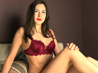 Webcam model MyleneRose from XLoveCam