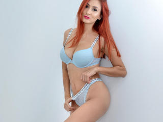 Webcam model IrissHotX from XLoveCam
