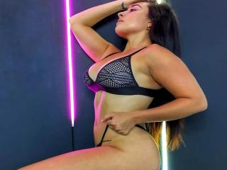 Webcam model ViolettaFox from XLoveCam