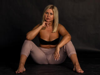 Webcam model KendallMarsh from XLoveCam