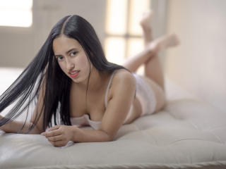 Webcam model JuliaSantino from XLoveCam
