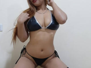 Webcam model MonikaSex from XLoveCam