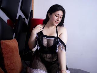Webcam model ElizaLeroy from XLoveCam