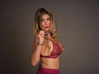 Webcam model GabrielaTaylor from XLoveCam