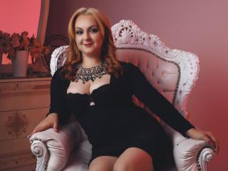 Webcam model DaphneBoyer from XLoveCam