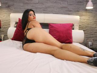 Webcam model AnnaWitt from XLoveCam