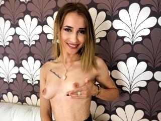 Webcam model MichelleFresh from XLoveCam