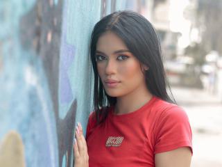 Webcam model SilvanaOwen from XLoveCam