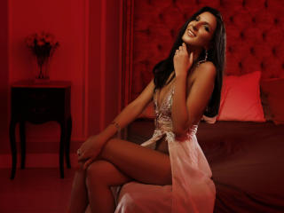 Webcam model AnneMathis from XLoveCam