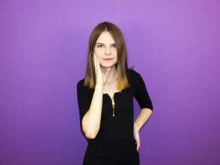 Webcam model JillieHappy from XLoveCam
