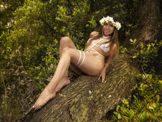 Webcam model PaulaAndreaX from XLoveCam