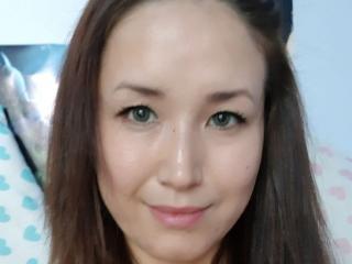 Webcam model NaughtyKarina from XLoveCam