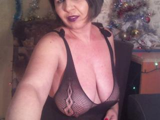 Webcam model NicoleHenna from XLoveCam