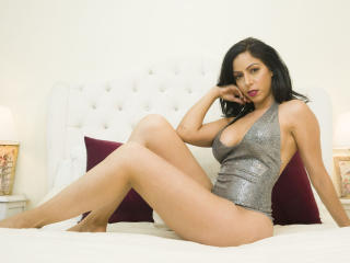 Webcam model DanaJonnes from XLoveCam