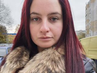 Webcam model MarielaHot69 from XLoveCam