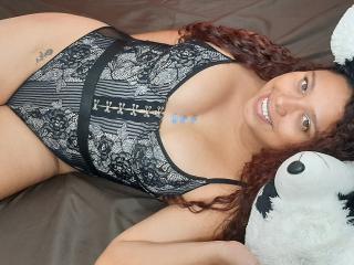 Webcam model SophiePreston from XLoveCam
