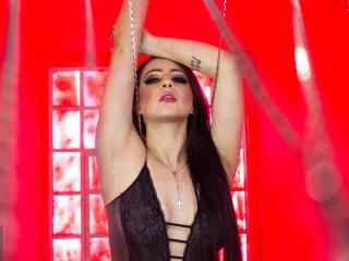 Webcam model HarperApril from XLoveCam