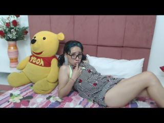 Webcam model HannaKooper from XLoveCam