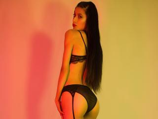 Webcam model JulietaSanders from XLoveCam
