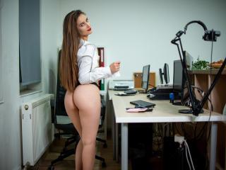Webcam model DaryaAndBrad from XLoveCam