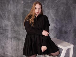 Webcam model RebeccaVictom from XLoveCam