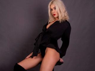 Webcam model AnastasiaFontain from XLoveCam