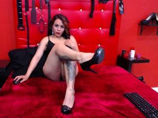 Webcam model PhiaDolly from XLoveCam