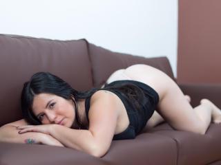 Webcam model CharlotteLewis from XLoveCam